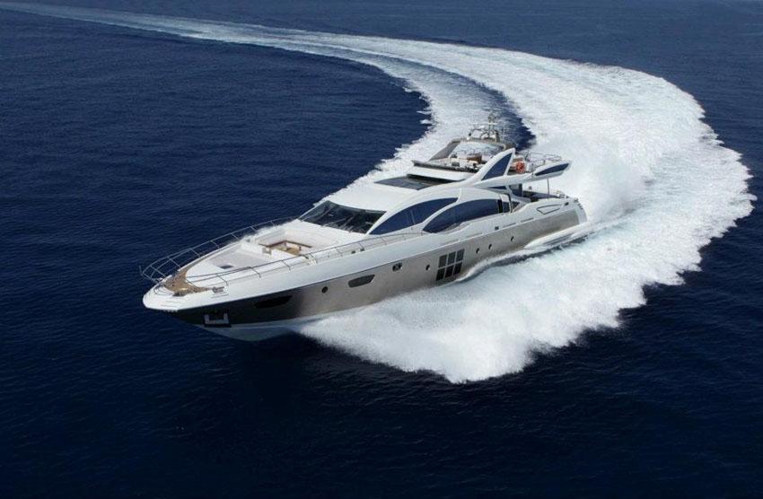 Роскошная и быстрая суперяхта Azimut Grande 120SL