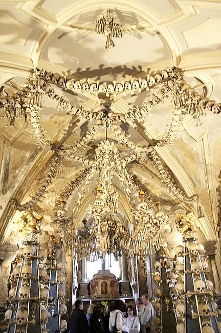 Церковь на костях в Чехии