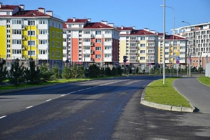 http://www.dobriiden.ru/sites/dobriiden.ru/files/deserted_sochi_after_the_2014_olympics_2.jpg