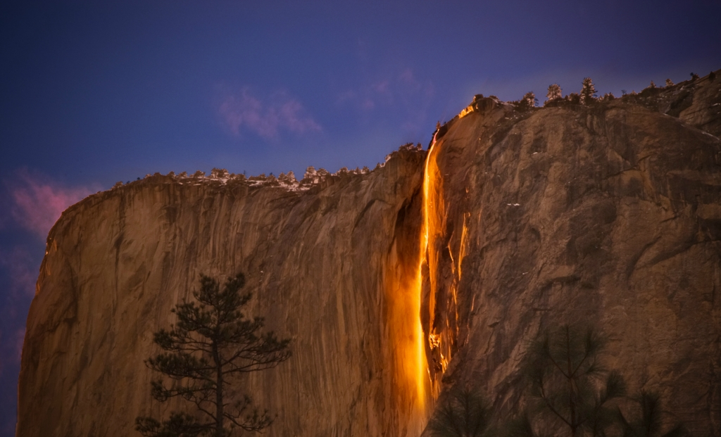 Horsetail Falls - огненный водопад