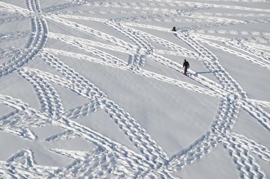 Креативное топтание по снегу